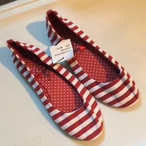 NWT Red & White Striped Classic Canvas Flats